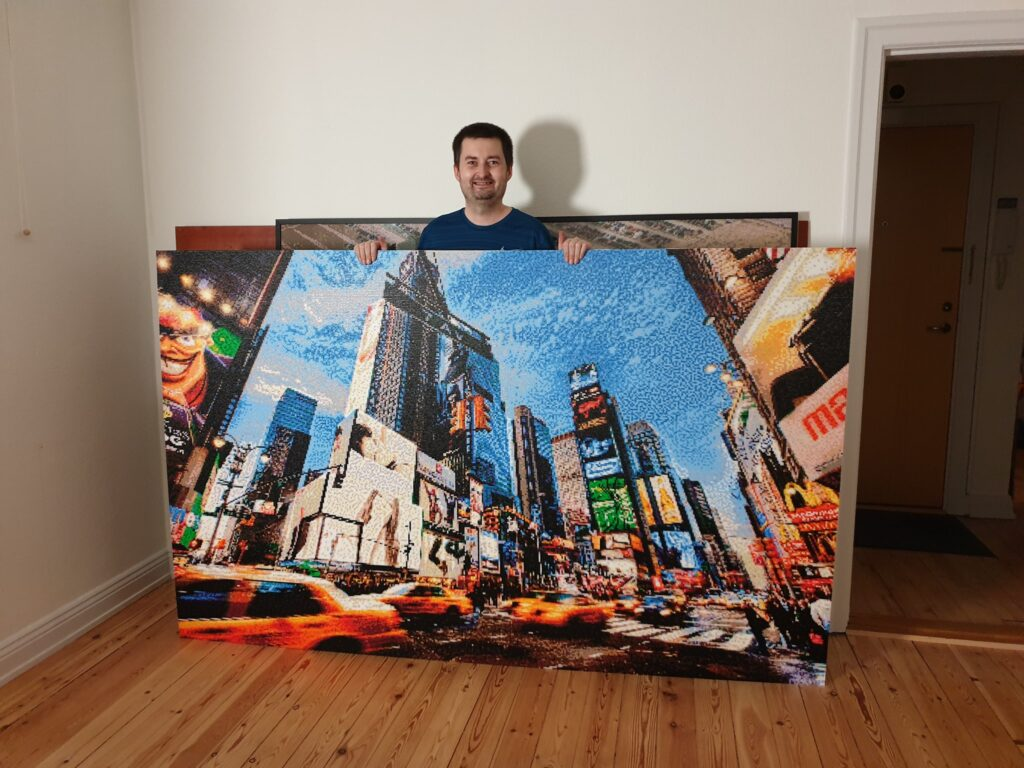 Time Square made with 120.000 photopearls beads